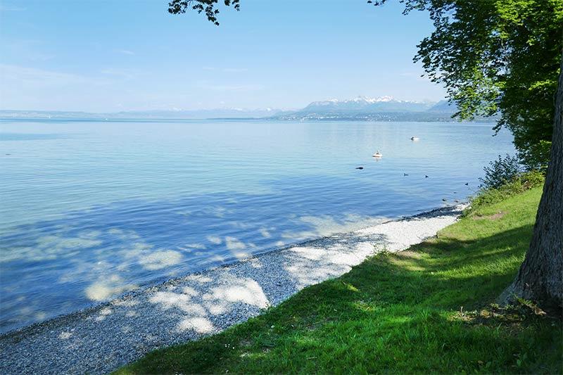 belle plage du lac Léman yvoire